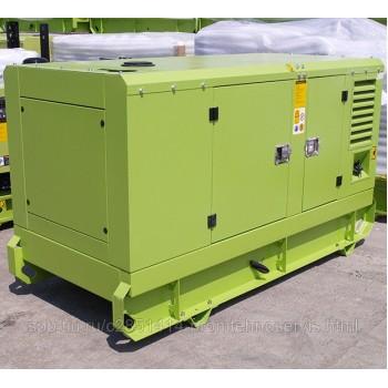 Дизельный генератор Doosan MGE 100-Т400 под капотом с АВР